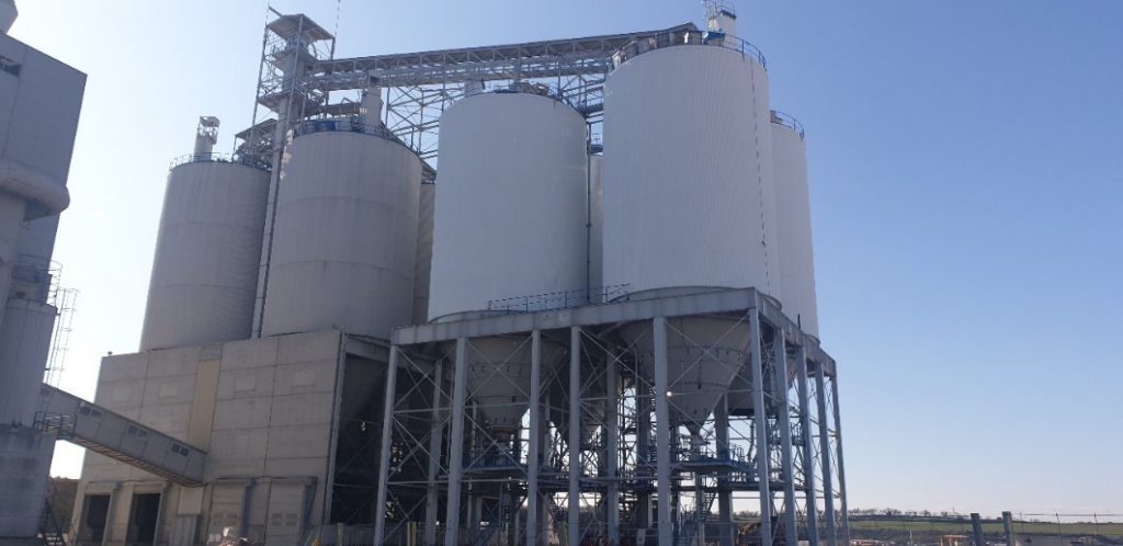 Proyecto llave en mano de 4 silos para cemento